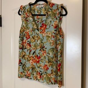 Floral blouse Never worn no tags Large